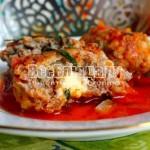 Овсяные оладьи с томатным соусом