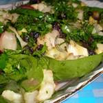 Тёплый салат из капусты с рыбой