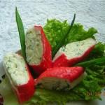 Закуска из крабовых палочек с чесноком и сыром