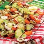 Молодой картофель с овощами – гриль