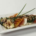 Сыр моццарелла с овощами – гриль