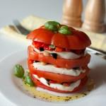 Тортики из помидоров с сыром