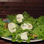 Рулетики из зелёного салата с сыром