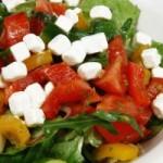 Овощной сборный салат с брынзой