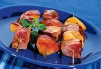 Люля – кебаб из ветчины с персиками