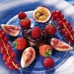 Салат из фруктов и ягод по – еврейски