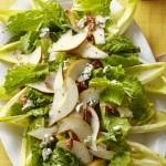 Салат на листьях эндивия