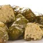 Греческая долма с рисом и орехами