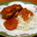 Куриные крылышки в томатно – медовом соусе с гарниром из риса