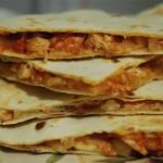 Мексиканская лепёшка кесадилья с курицей