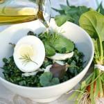Овощной салат с варёными яйцами