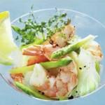 Крабовый салат с креветками и спаржей