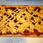 Творожный пирог с яблоками и повидлом