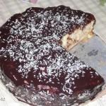 Шарлотка с персиками в шоколадной глазури