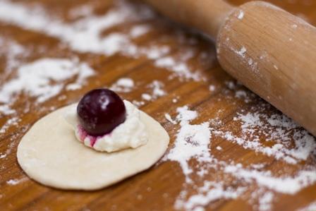 Рецепт вареники с творогом и вишней рецепт пошагово