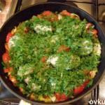 Отварной судак с овощами