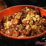 Перловая каша с копчёной колбасой и грибами