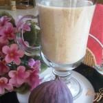 Молочный напиток с инжиром