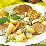 Творожные ньокки с соусом из грибов
