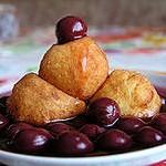 Творожные пончики с вишнёвым киселем