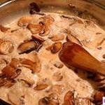 Белые грибы под соусом