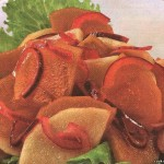 <strong>Пикантный салат с хурмой</strong>