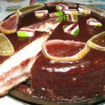Торт «Бисквит под снегом», с глазурью