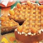 Пирог с яблоками, под абрикосовой глазурью