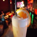 Мускатное молоко с апельсиновым сиропом