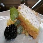 Пирожное с лимоном
