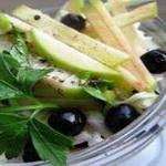 Салат из белокочанной капусты и черной смородины