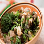 Солёные грибочки с зеленью