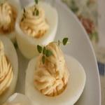 Яйца, фаршированные плавленным сыром
