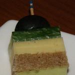Пикантные кусочки из сыра
