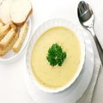 Картофельный суп с гренками из творога