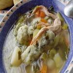 Куриный суп с брокколи и манными клёцками