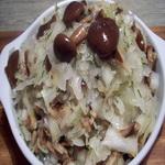Салат из солёных грибов и квашеной капусты