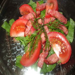 Салат из помидоров с щавелем