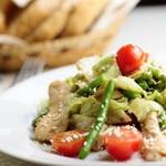 Тёплый салат с рисом и ветчиной