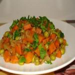 Гарнир из зелёного горошка и моркови