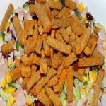 Праздничный салат из ветчины, с кукурузой