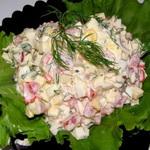 Салат из крабовых палочек с сыром сулугуни