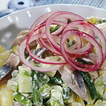 Салат из сельди с отварными овощами