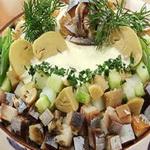 Салат из сельди холодного копчения, по-голландски