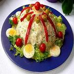 Рыбный салат с пикулями