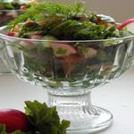 Салат из ботвы редиса с орехами