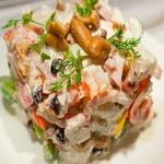 Салат из кальмаров с лисичками
