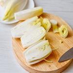 Салат из цикория со сгущенным молоком