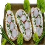 Творожные бутерброды с редисом