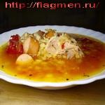 Мясной суп с сосисками